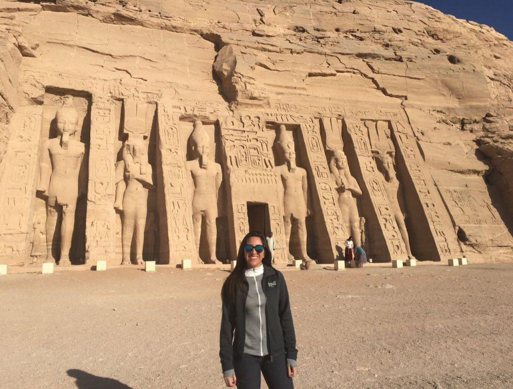 Lorena-en-Egipto-Abu-Simbel-Ayana-Viajes